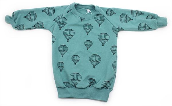 groenblauw met luchtballonnen