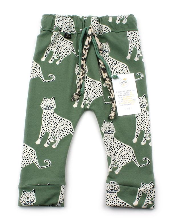 oud groen met luipaarden