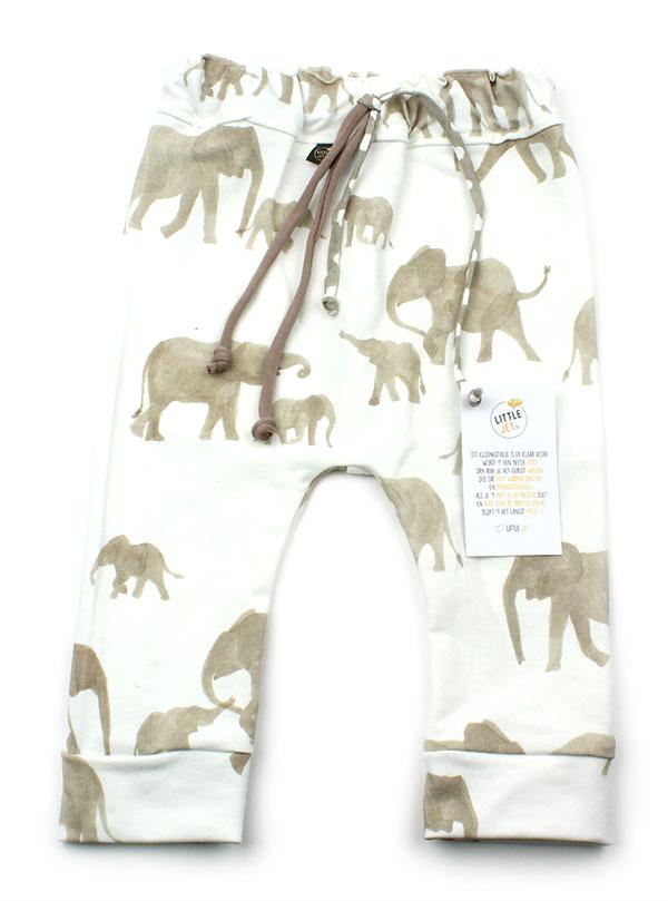 gebroken wit met olifantjes